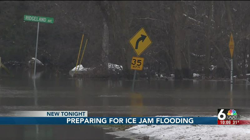 Floodwater takes over Ridgeland Ave.