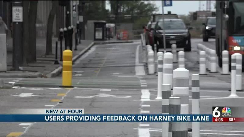 Users providing feedback on Harney bike lane - 4 pm