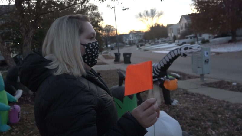 Mom wants neighbors to plant flags for safe Halloween, Oct. 27, 2020