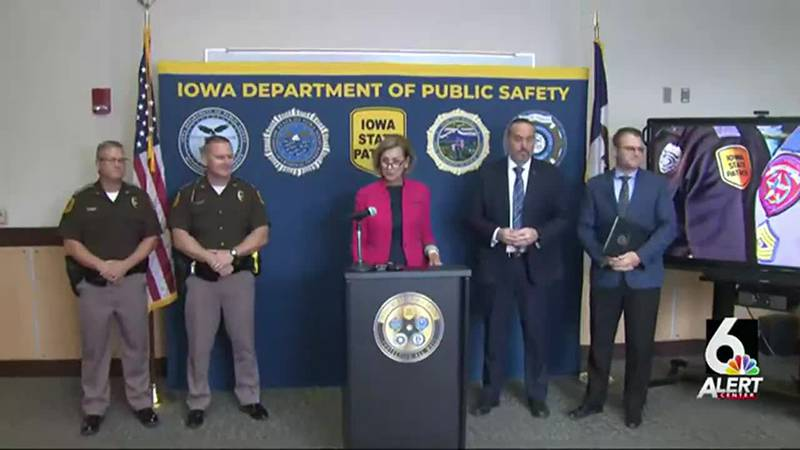 FULL VIDEO: Reynolds welcomes Iowa State Patrol back from border