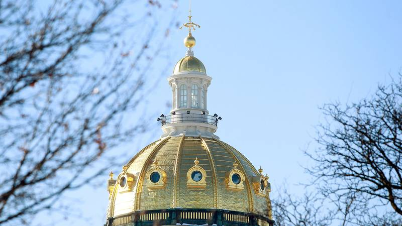 The dome of the State Capitol building in Des Moines, IA.