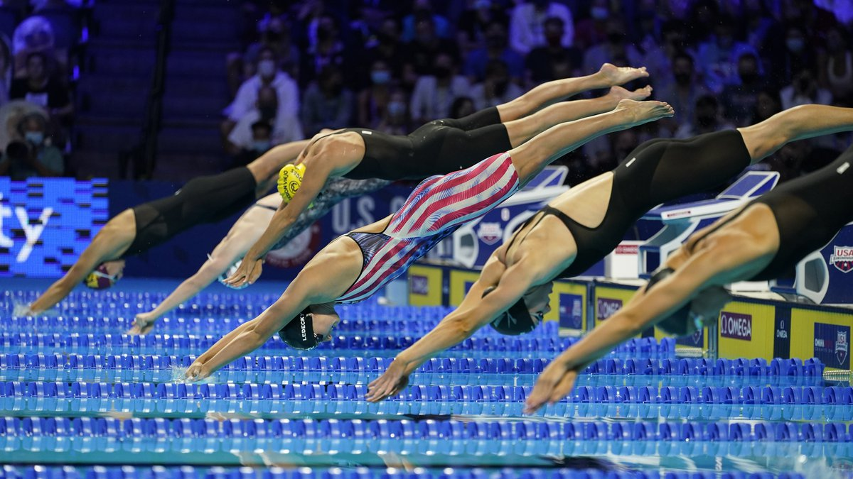 Katie Ledecky starts in the Women's 400 Freestyle during wave 2 of the U.S. Olympic Swim Trials...
