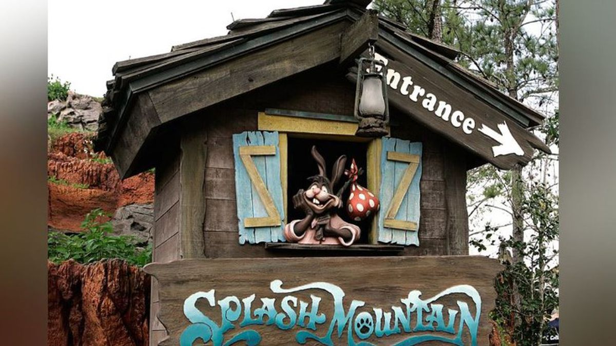 """The character Brer Rabbit, from the movie """"Song of the South,"""" is depicted near the entrance to the Splash Mountain ride in the Magic Kingdom at Walt Disney World in Lake Buena Vista, Fla., Wednesday, March 21, 2007. (Source: AP Photo/John Raoux)"""