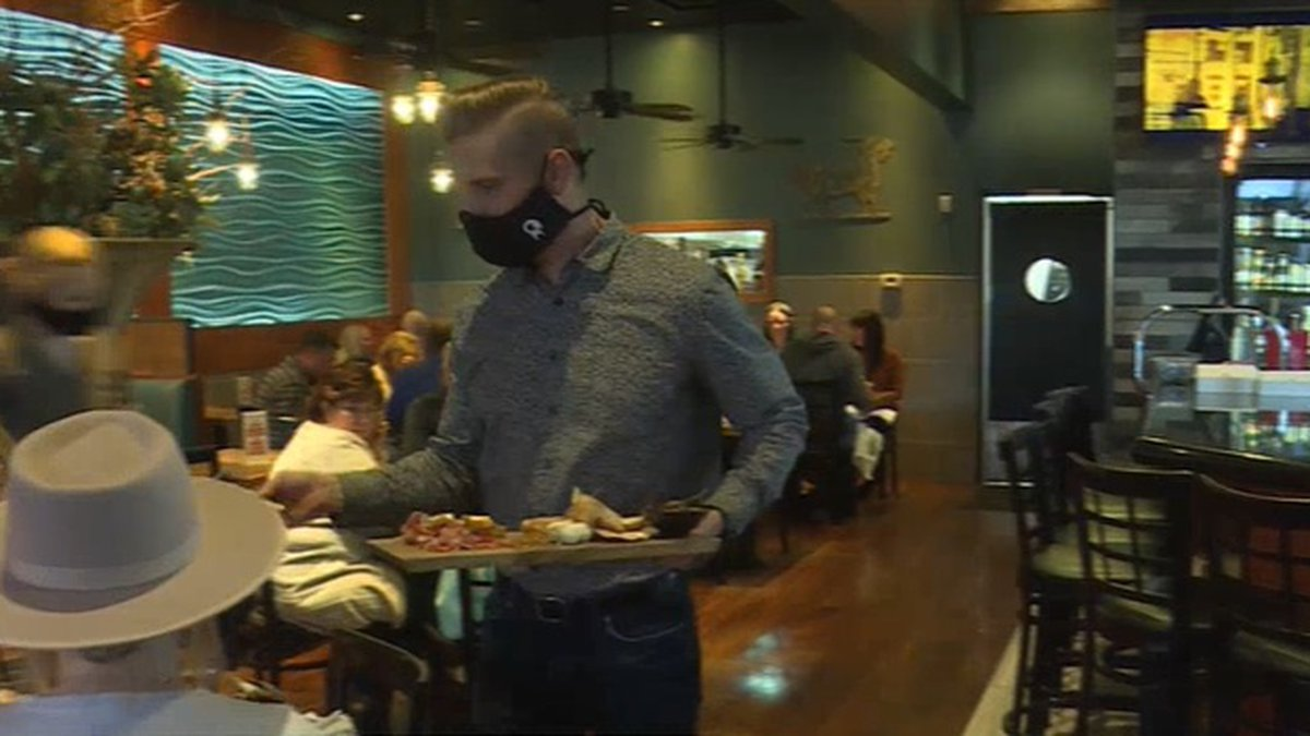Local restaurants transition back to dine-in service