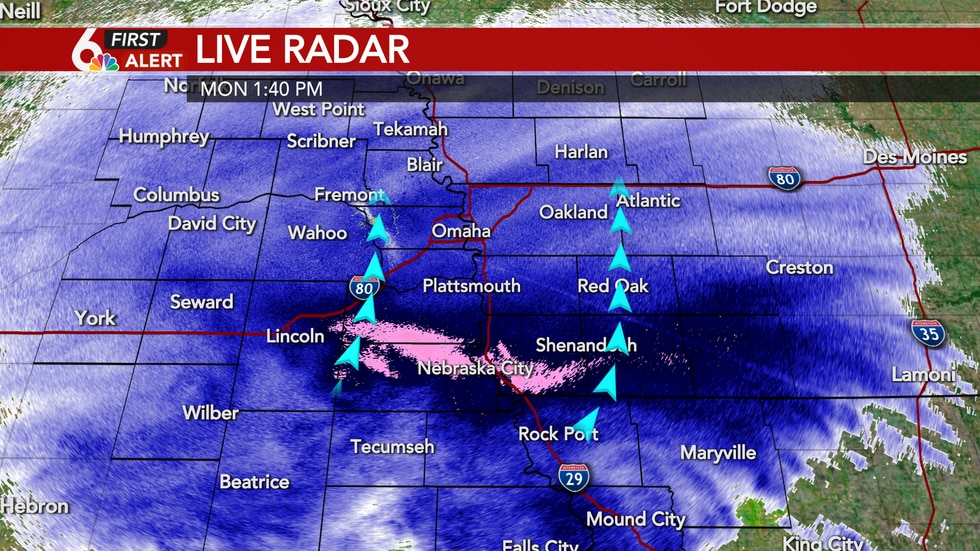 Heavy band of snow slowly lifting north Monday afternoon