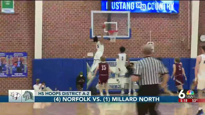 Hunter Sallis throws down an alley-oop against Norfolk.