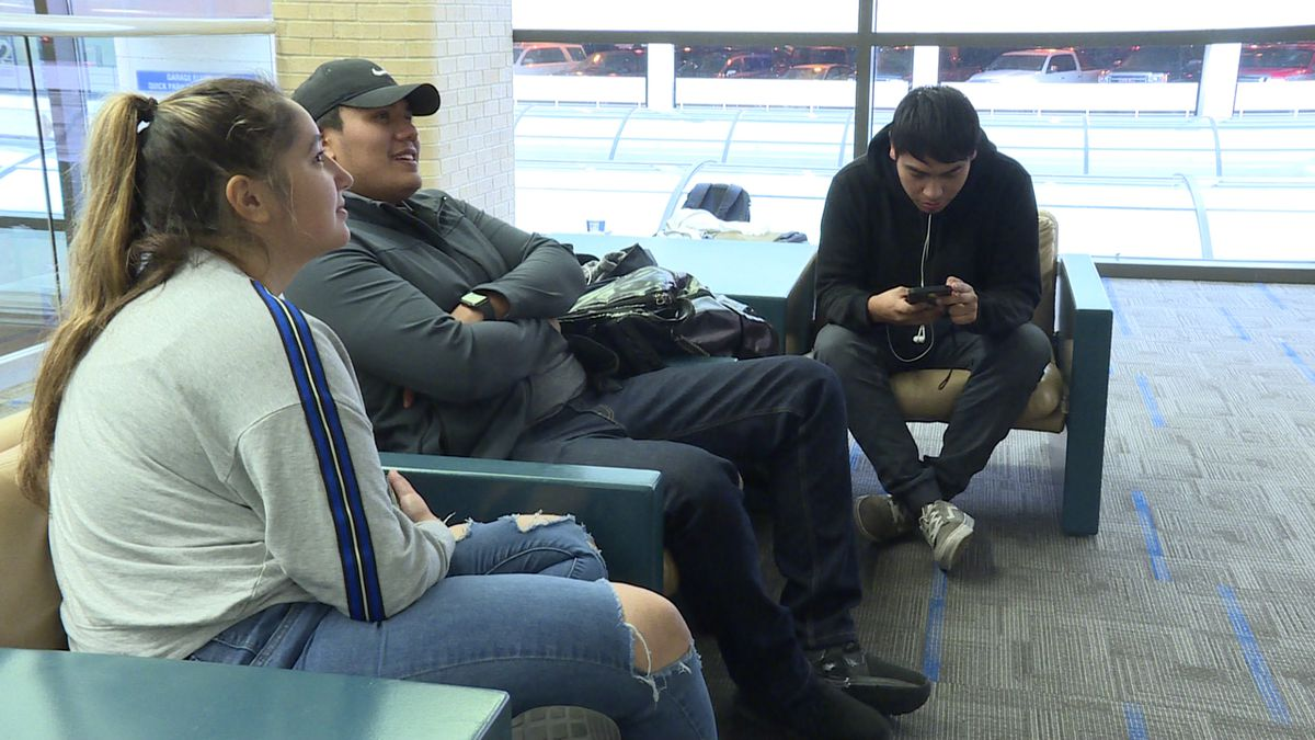 National weather problems slow travel through Omaha's Eppley Airfield