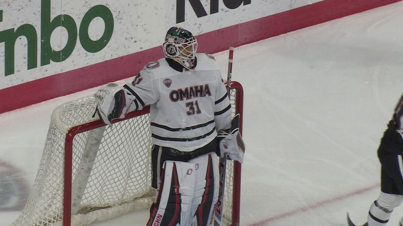 UNO's Isaiah Saville takes a moment to rest after a save in the second period against North...