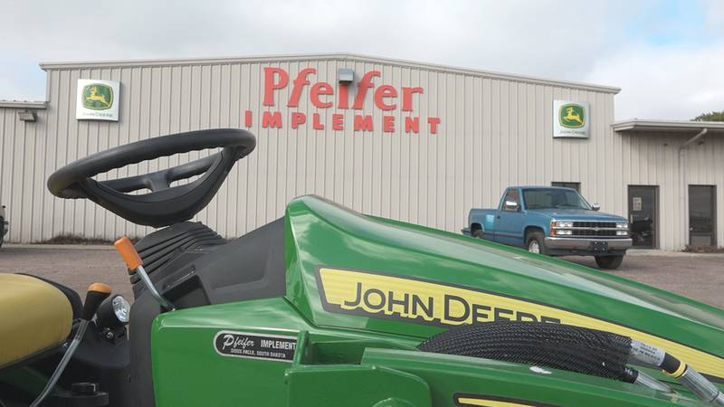 Nationwide Deere strikes continue to worry farmers during harvesting season.