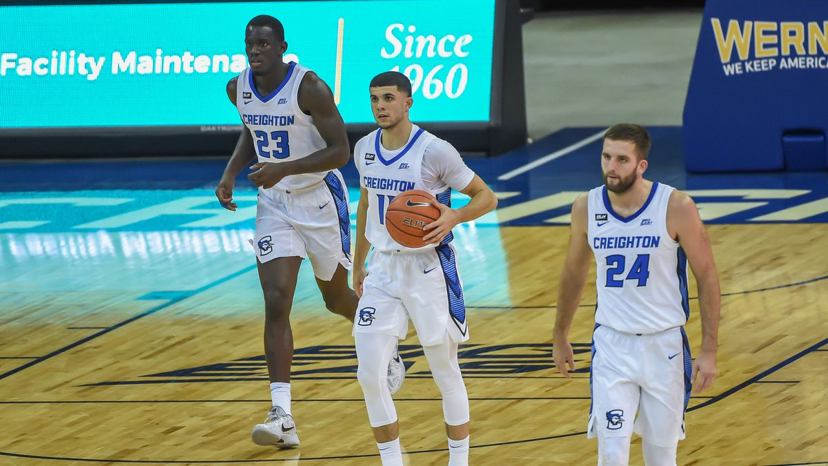 Creighton Bluejays guard Marcus Zegarowski (11) brings the ball up the court with forward...